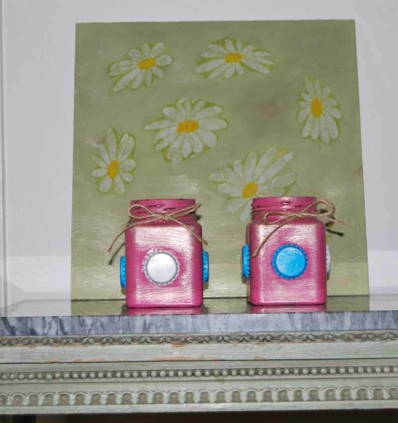 Cubo y tabla decorativa margaritas
